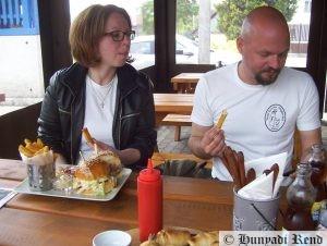 Ebéd a ZiriBárban