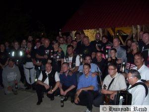 A nagy csapatot a Fokos zenekar kísérte el idén is...